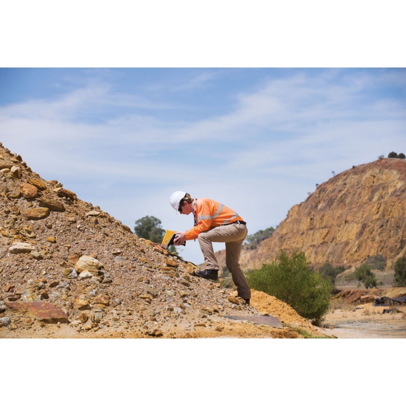 Анализатор Olympus Vanta для экологического мониторинга и анализа почв